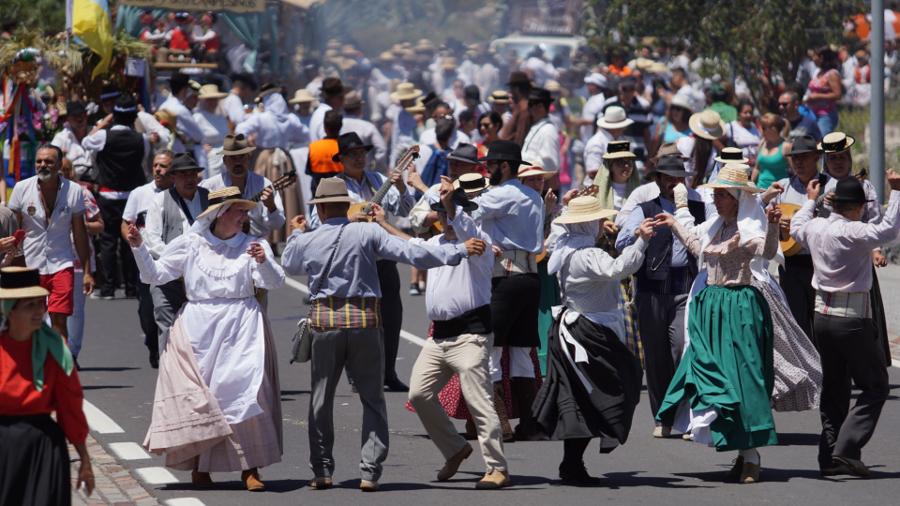 Apri la scadenza per partecipare con i carri nella Romería ...