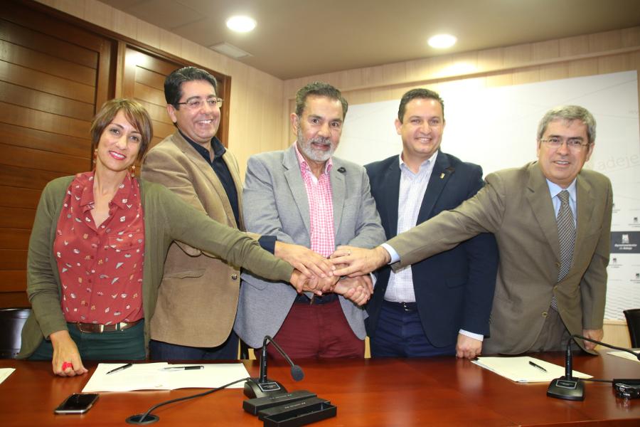 I sindaci dei principali comuni turistici delle Canarie ...
