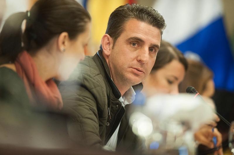 Carlos Medina considera que es imposible fiscalizar al grupo de gobierno (CC) sin tener la información requerida. Fran Pallero