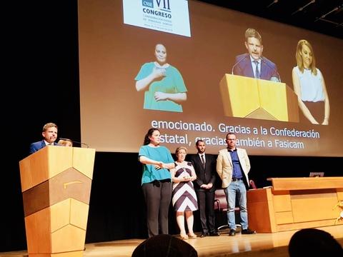 Arona recoge el premio estatal más relevante por su trabajo en la integración de las personas sordas