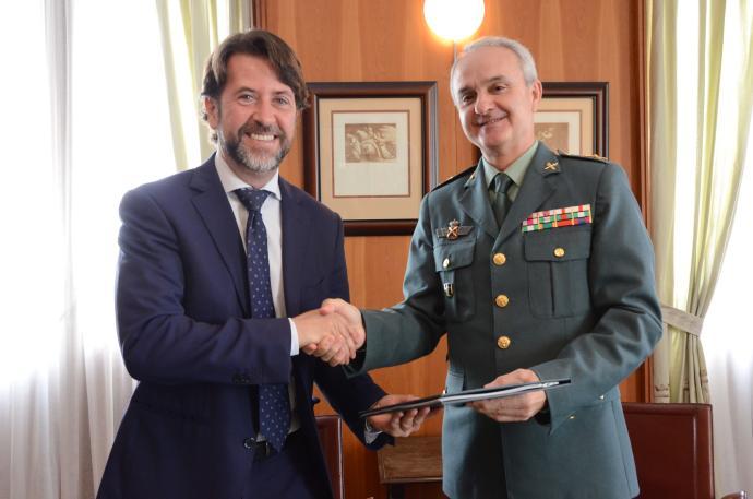 El Cabildo y la Guardia Civil colaborarán para reforzar la s...