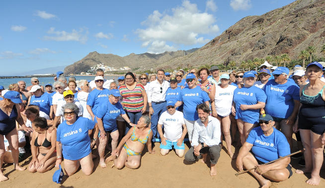 The Cabildo takes this summer to more than 300 elders to the beach ...