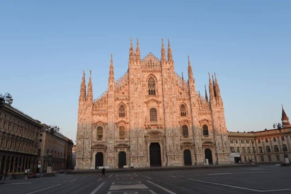 Ricordavo il centro di una Milano da bere….